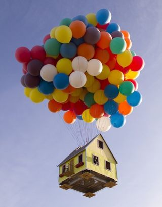Real-floating-balloon-home
