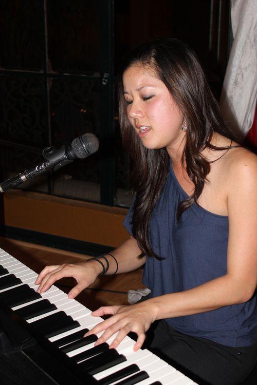 Tweena piano instructor
